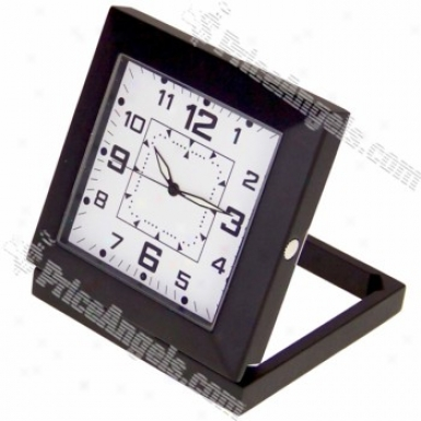 Usb Rechargeable 5.0mp Pin-hole Spy Av Camwra Disguised As Working Desktop Clock (tf Card Slot) - Black