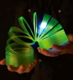 Btatery Operated Color-changing Light-up Slinky