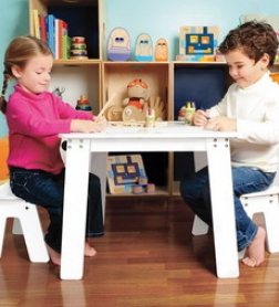 P'kolino Art And Craft Table With Benches