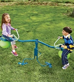 Spinning-seesaw-and-hop-ball-in-one Spiro Leap Outdoor Tyo