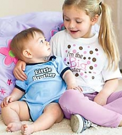 Top-quality Soft 100% Cottonn Lil' Sib Onesie With Nickel-free Snaps