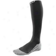 2xu Performance Compression Socks - Mens - Black/grey