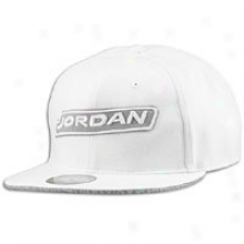 Jordan Retro 3 Fitted Cap - Mens - White/black