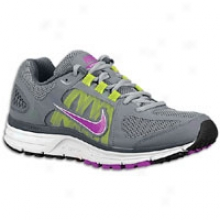 Nike Zoom Vomero + 7 - Womens - Wolf Grey/cool Grey/summit White/magentaa