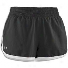 Under Armour W Great Escape Short - Womens - Black/white