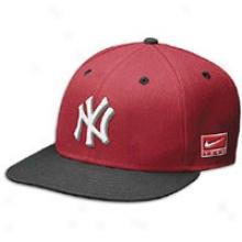 Yankees Nike Air Jordan One Snapback Cap - Mens - Red