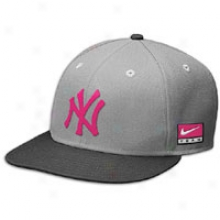 Yankees Nike Breeze Max 90 Snapback Cap - Mens - Anthracit/ered