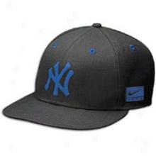 Yankees Nike Foamposite One Snapback - Mens - Black/royal