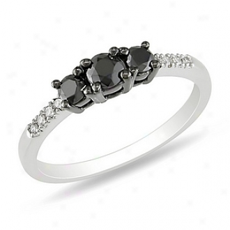 Amour 1/2 Ct Black And White Diamond Tw 3 Stone Circle Rhodium Plated, 5