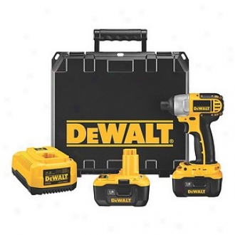 Dewalt 18 Volt 1/4  Heavy Duty Impact Driver Kit With Nano Technolo