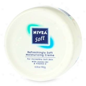 Nivea Soft Moisturizing Creme